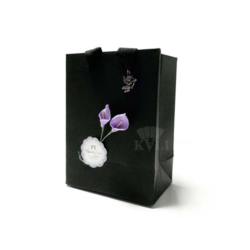 gift paper bag with flower